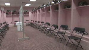 5.13UnivOfIowa.Kinnick stadium.pink_lockerroom_620x350