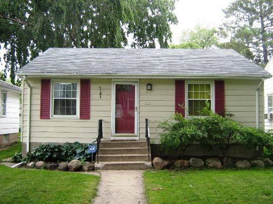 GI. color. plain boxy house