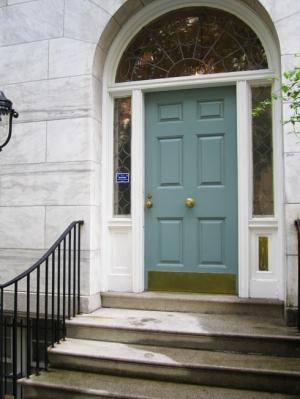 GI. soft gray blue door