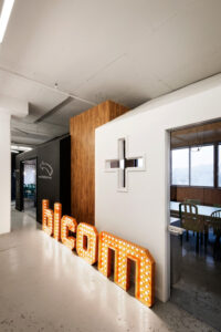 BICOM lighted sign.-Office-Jean-de-Lessard-4-600x900