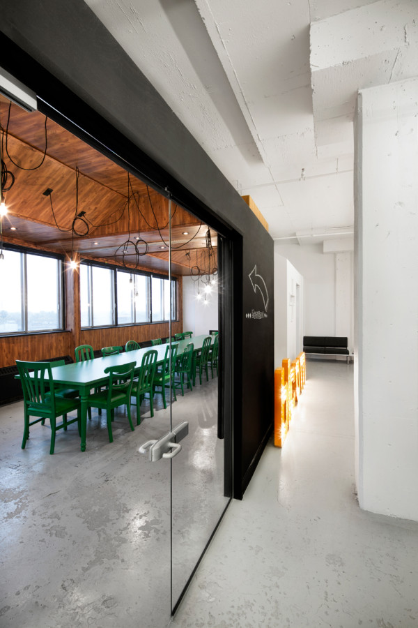 Thinking outside the box color materials and space for Creative office space design
