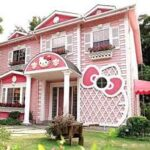 Hello Kitty pink house. GI