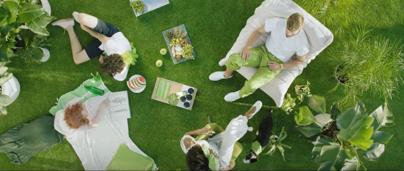pantone-greenery2017-snip